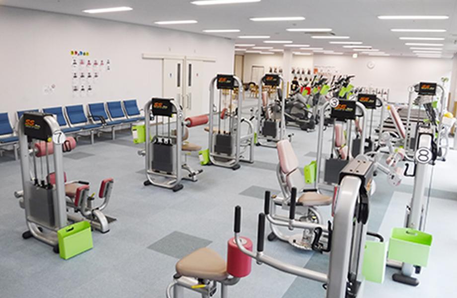筋力トレーニングマシンの写真